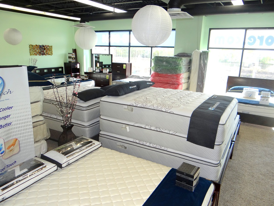 Cute Bed Store Design