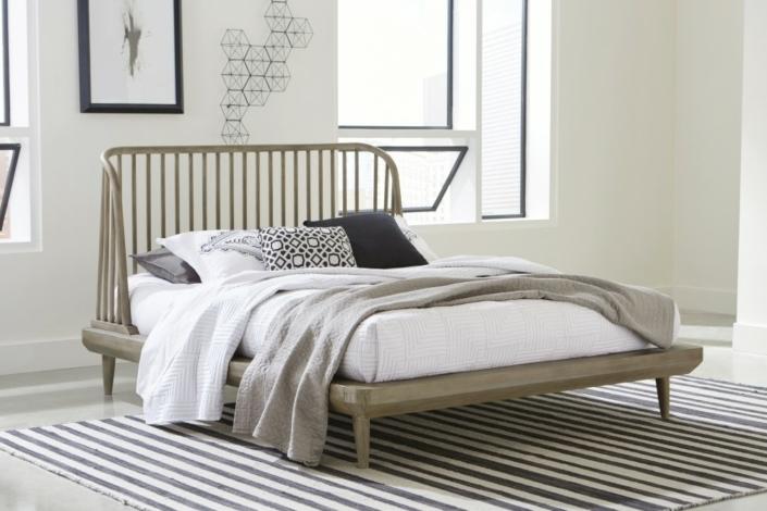 Spindle Platform Bed